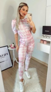 Conjunto Tie Dye Rosa com manga princesa