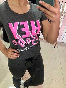 T-Shirt Hey Babe chumbo