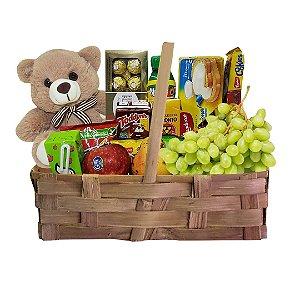 Bom dia meu Amor - Cesta com Frutas da Estação, Pelúcia e Chocolates