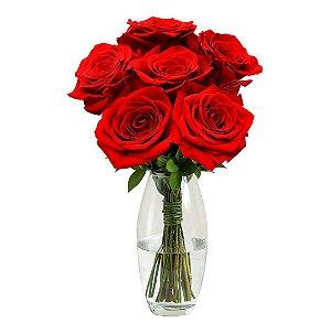Arranjo com 08 Rosas Colombianas Vermelhas no Vaso de Vidro
