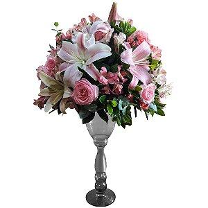 Arranjo Para Festa com Rosas Nacionais e Lírios