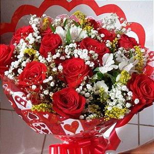Buquê com uma duzia de rosas vermelhas
