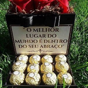 GIFT BOX LUXO COM ROSAS E FERRERO ROCHER PERSONALIZADO