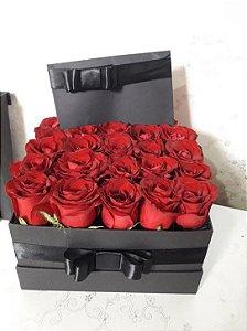 Gift Box Luxo com 25 rosas