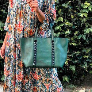 Bolsa Sacola Laura feminina grande com correntes em courino várias cores