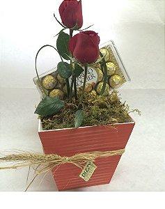 Caixa com Rosas e Ferrero Rocher