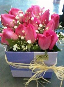 Caixa com 12 Botões de Rosas
