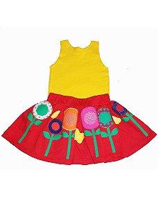 Conjunto de Saia Vermelha e Camiseta Regata Amarela