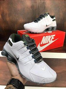 Tênis Nike Shox NZ 4 Molas Branco com Cinza Importado Vietnam - Pronta Entrega