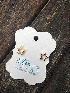 Brinco pequeno de estrela dourado