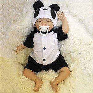 Boneca Bebê Reborn Realista Com Cabelo Menino Recém Nascido Roupa Panda 47 cm 5 Acessórios