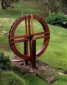 Roda d'água de madeira com diâmetro de 1,00 mts  Reforçada - S