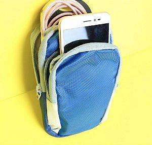 Porta eletrônicos impermeável e com alça elástica