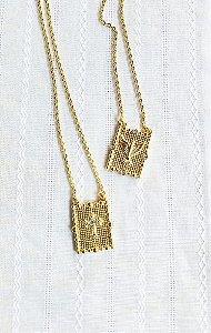 Escapulário Divindade placas Cruz e Divino Espirito Santo banhado a ouro 18k