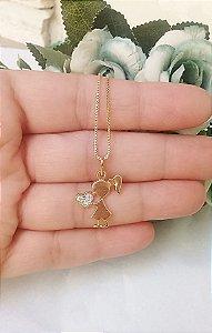Colar pingente filha coração na mão cravejado cristais folheado em ouro 18k