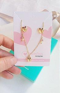 Conjunto pingente coração com pérolas  e brincos coração banhado em ouro 18k