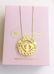 Mandala com nome dos filhos pézinho banhada em ouro 18k (pz entrega 45 dias úteis)