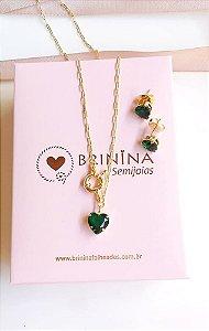 Colar coração esmeralda fecho boia banhado em ouro 18k (ganhe o par de brincos)