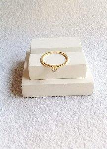 Anel solitário cristal 6 pontas base curta banhado a ouro 18k