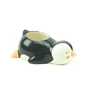 Cachepô em Porcelana Pinguim Deitado