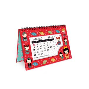 Calendário de Mesa Decorado Kokeshi Vermelha 2017