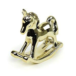 Unicórnio Dourado em Cerâmica