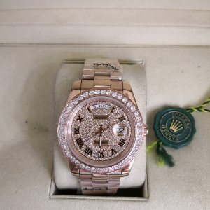 ROLEX DAY-DATE ROSE CRAVEJADO