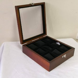 Box 9 Lugares Madeira - 8W2B248ZG