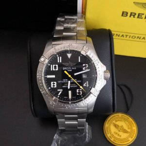 Breitling OFFICIELLEMENT - 8Y2M7TUT7