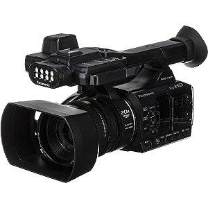 Panasonic AG-AC30 Full HD com tela LCD sensível ao toque e luz LED embutida