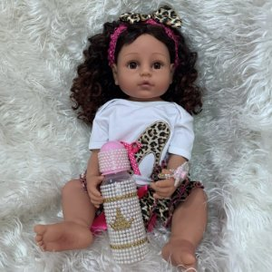 Pronta Entrega - Bebê reborn  100% silicone morena  cabelo cacheado pode banhar 55cm