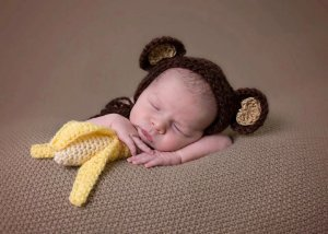 Touca Macaquinho Com Amigurumi De Banana Newborn