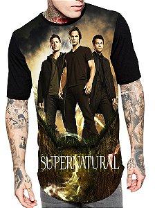 Camiseta Longline Estampa Full Supernatural