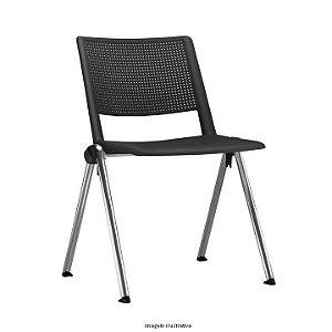 Cadeira Fixa pés em metal assento e encosto em plástico de alta resistência encosto perfurado para ventilação modelo UP