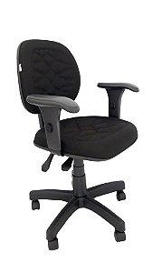 Cadeira Giratória Base em Metal modelo Ergonômica Backsystem Assento e Encosto Executivo espuma injetada revestimento em Tecido com costura cor Preto