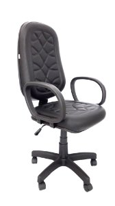 Cadeira Giratória Base em Metal Assento e Encosto modelo Presidente espuma injetada 70mm de espessura revestimento em Corino com costura cor Preto Braços modelo Corsa