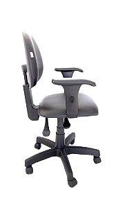 Cadeira Giratória Base em metal modelo Ergonômica Backsystem Assento e Encosto Executivo Espuma Injetada Revestimento em Corino Liso cor Preto