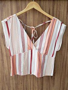 Blusa Decote V Frente e Trás