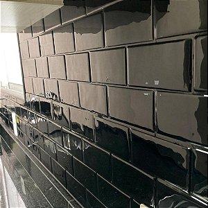 EPL10BLC - Pastilha Adesiva Resinada Metro Black Rejunte Preto