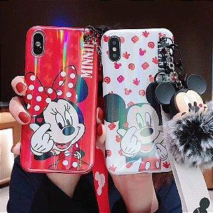 Capa mickey mouse ou minnie mouse com pompom e cordão Iphone