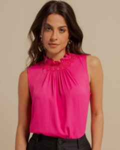 Blusa Crepe Renda Gola Unique Chic - Pink