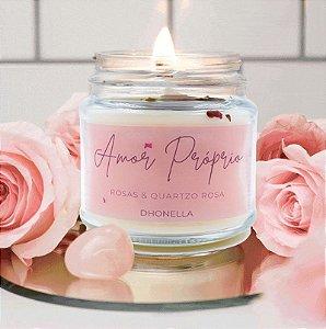 Vela do Amor Próprio com Quartzo Rosa (com óleo essencial e pétalas de rosas) - Coleção Exclusiva