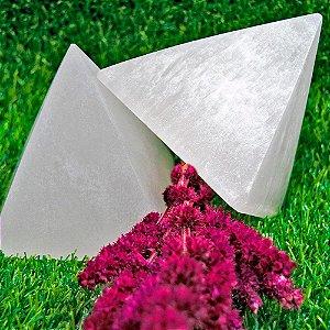 Pirâmide de Selenita Branca 700g