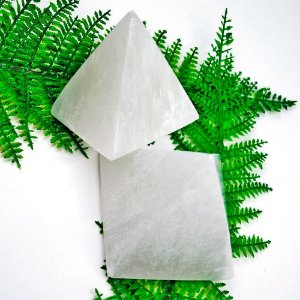 Pirâmide de Selenita Branca 200g