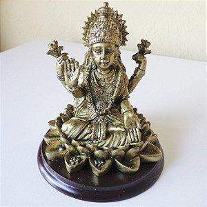 Deusa Lakshmi na Flor de Lótus M