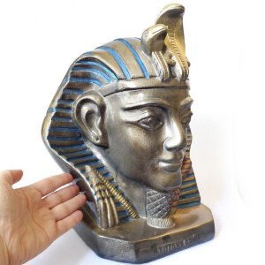 Faraó Tutankamon da Proteção e Riqueza