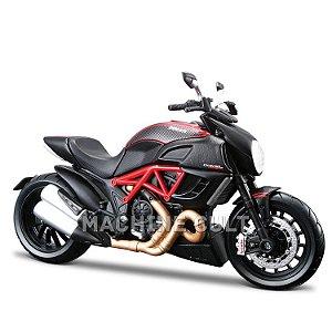 Miniatura Ducati Diavel Carbon - Maisto 1:12