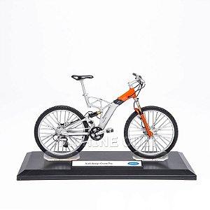 Miniatura Bicicleta Audi design Cross - Laranja - Welly 1:10