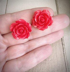 Brinco Feminino Pequeno - Rosa Vermelha