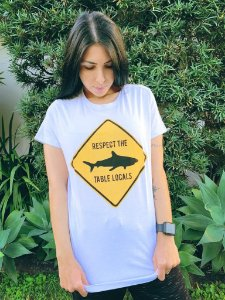 Camiseta Feminina Respect The Table Locals